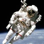 Куда сбрасывают говно космонавты?